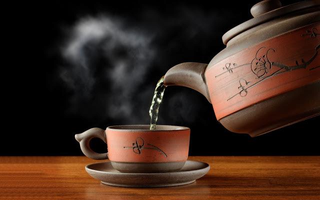 Огурцы, чай и высшее образование - самые странные причины заболевания раком