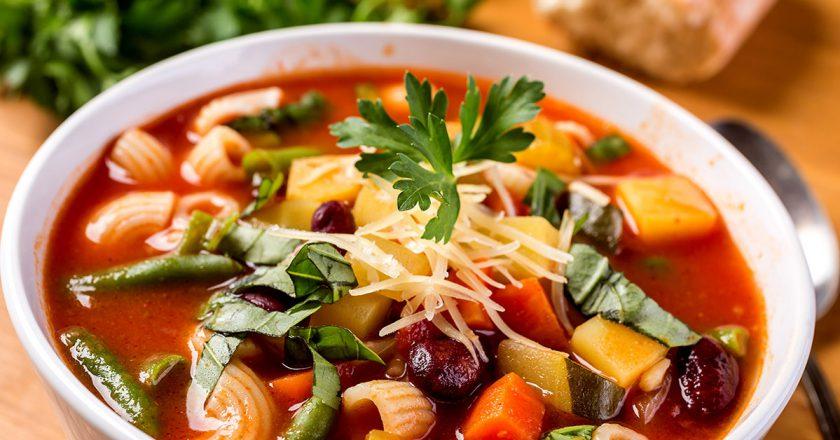 Овощной суп «Минестроне»: стоит попробовать всем и каждому!
