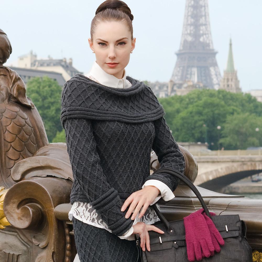 Элегантный женский костюм спицами