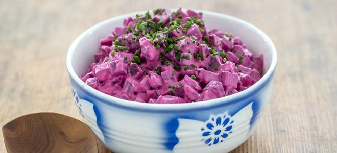 Салат свекольный со сметаной