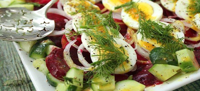 Свекольный салат с солеными огурцами