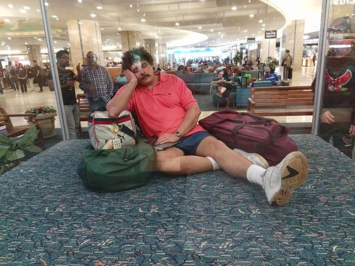 20 весёлых снимков из аэропортов, доказывающих, что это отдельный мир! аэропорты,приколы,юмор