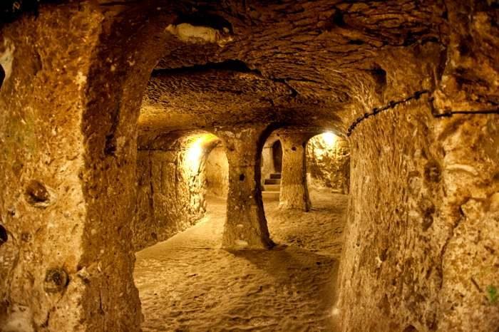 6 поражающих воображение подземных поселений в разных уголках планеты Великобритания,Иордания,Италия,Турция,Франция,Эфиопия