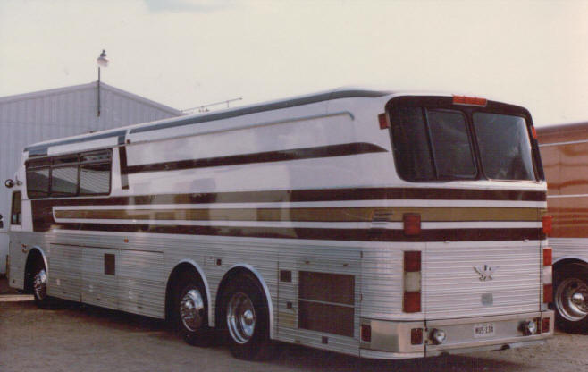 jerry reeds 05 silver bus