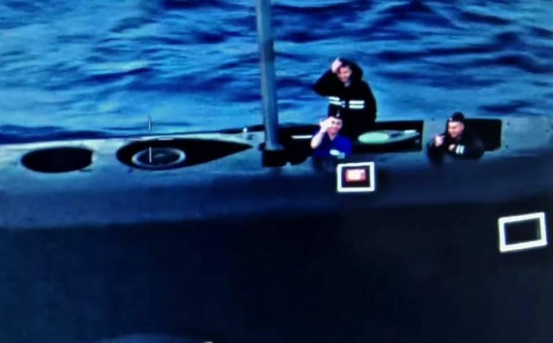 Российские подводники устроили необычную встречу противолодочному самолету США Новости