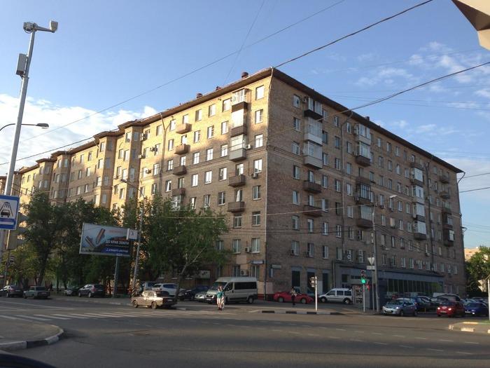 Много места и звукоизоляция: какие многоэтажки строили в СССР в период между «сталинками» и «хрущёвками» архитектура,ремонт и строительство