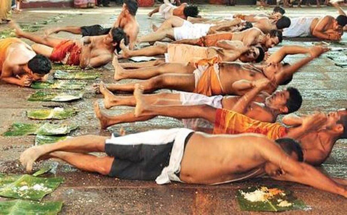 Самые странные религиозные ритуалы со всего мира интересные факты,религия,ритуалы