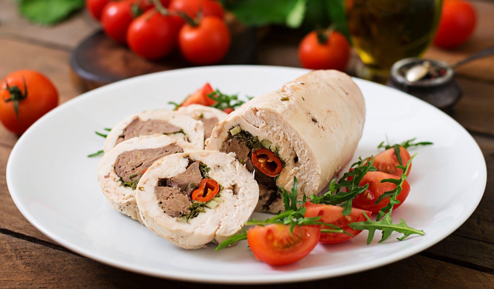 Куриный рулет с печенью блюда из курицы,мясные блюда