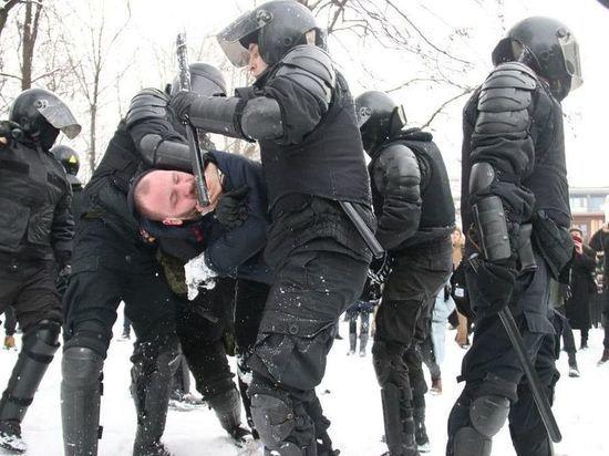 Макаров поблагодарил полицейских, избивавших людей на митинге 31 января
