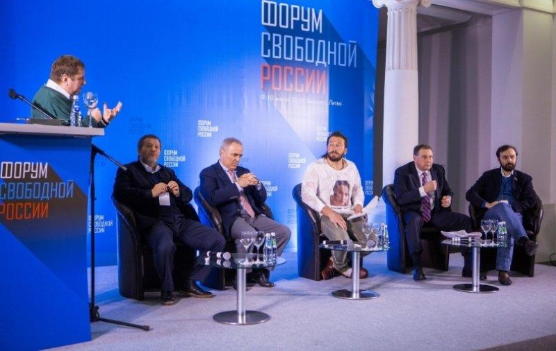 Стервятники, ненавидящие Россию, снова слетаются в Прибалтику