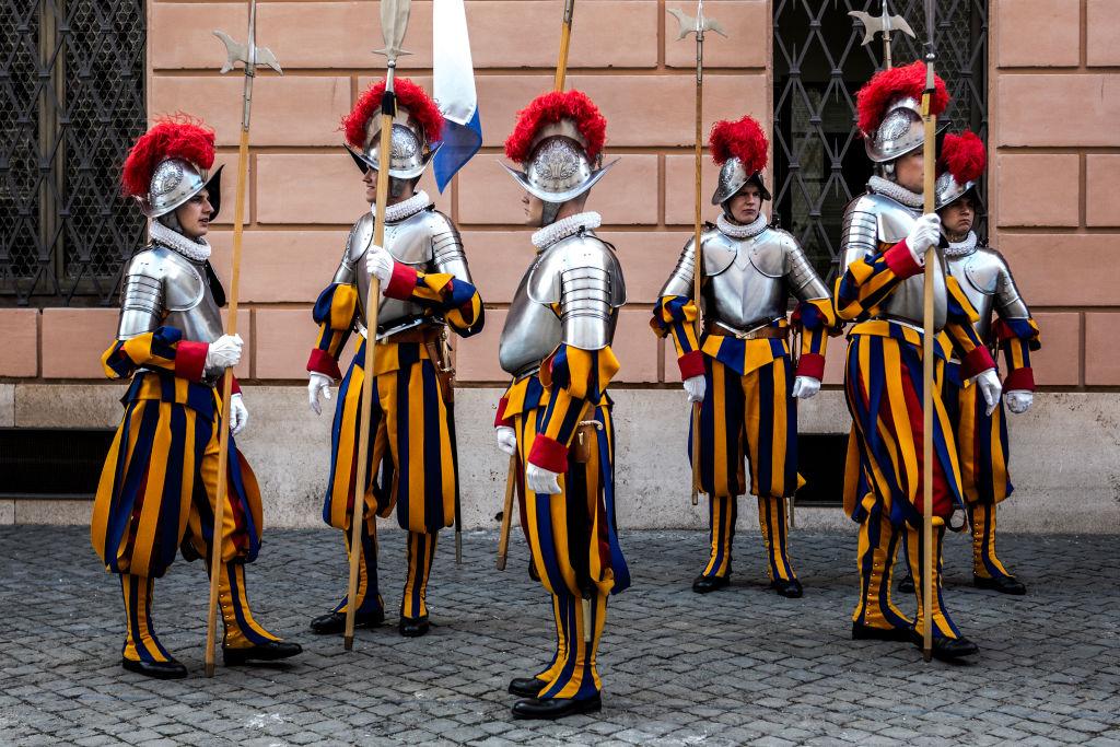 Часть мундира: необычная парадная военная форма разных стран мира военные,история,люди,мундир,путешествия,униформа