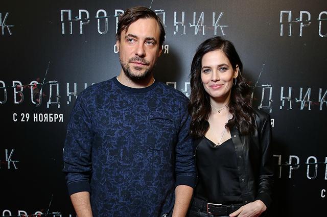 Евгений Цыганов и Юлия Снигирь развеяли слухи о расставании на премьере фильма
