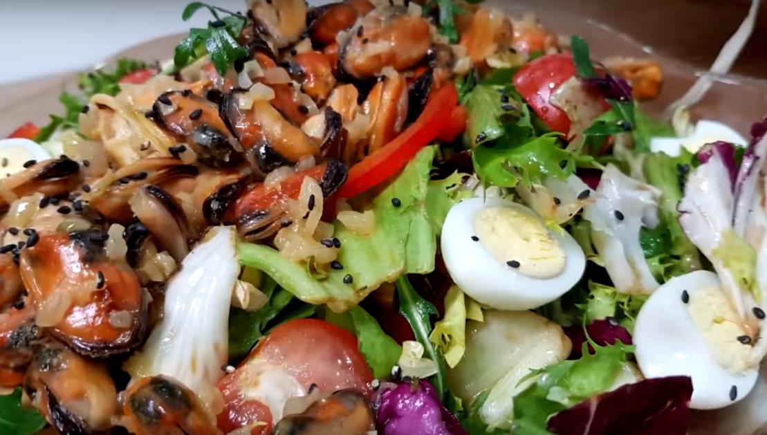 Шикарный салат с мидиями к 14 февраля