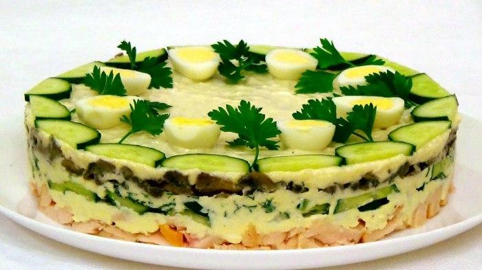 Пасхальный салат Курочка Ряба.  Фото: google.ru.
