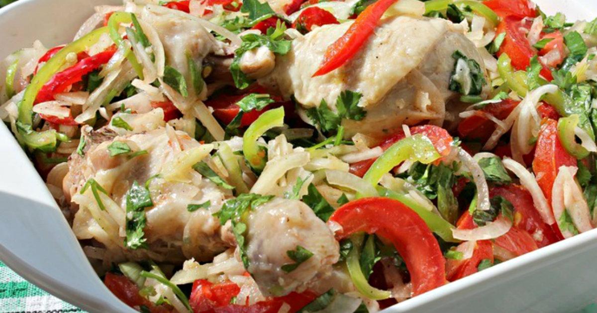 Салат с вареной курицей по-дунгански