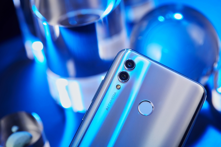 HONOR 10 Lite с 24-Мп камерой для селфи поступит в продажу в России 8 февраля новости