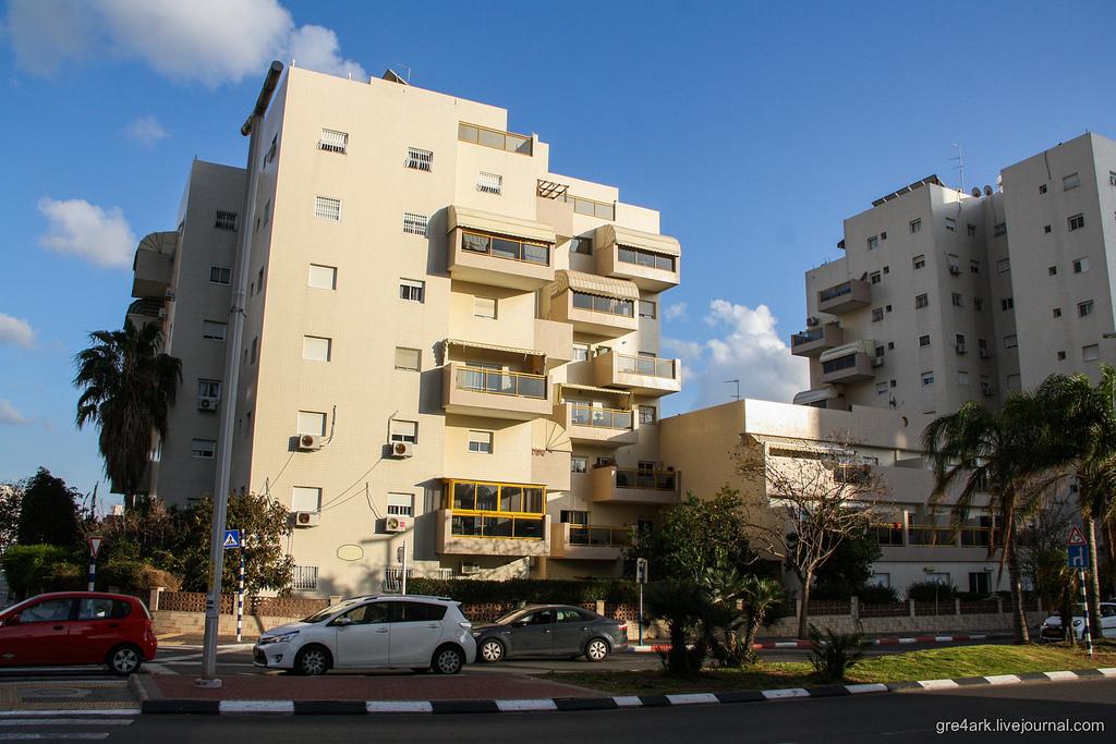 Как строят дома евреи: хотели бы так жить?