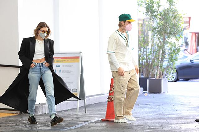 Джастин и Хейли Бибер на шопинге в Лос-Анджелесе: новые фото пары Звездные пары