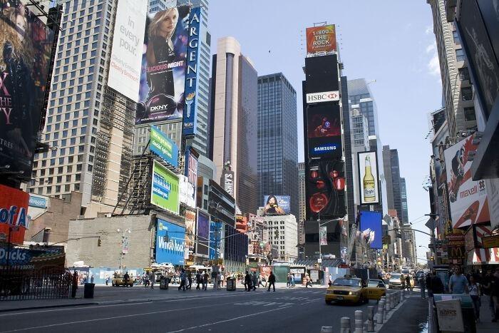 Привычки, которые выдают приезжих с головой в разных городах и странах мира внешний туризм,наши за границей,страноведение