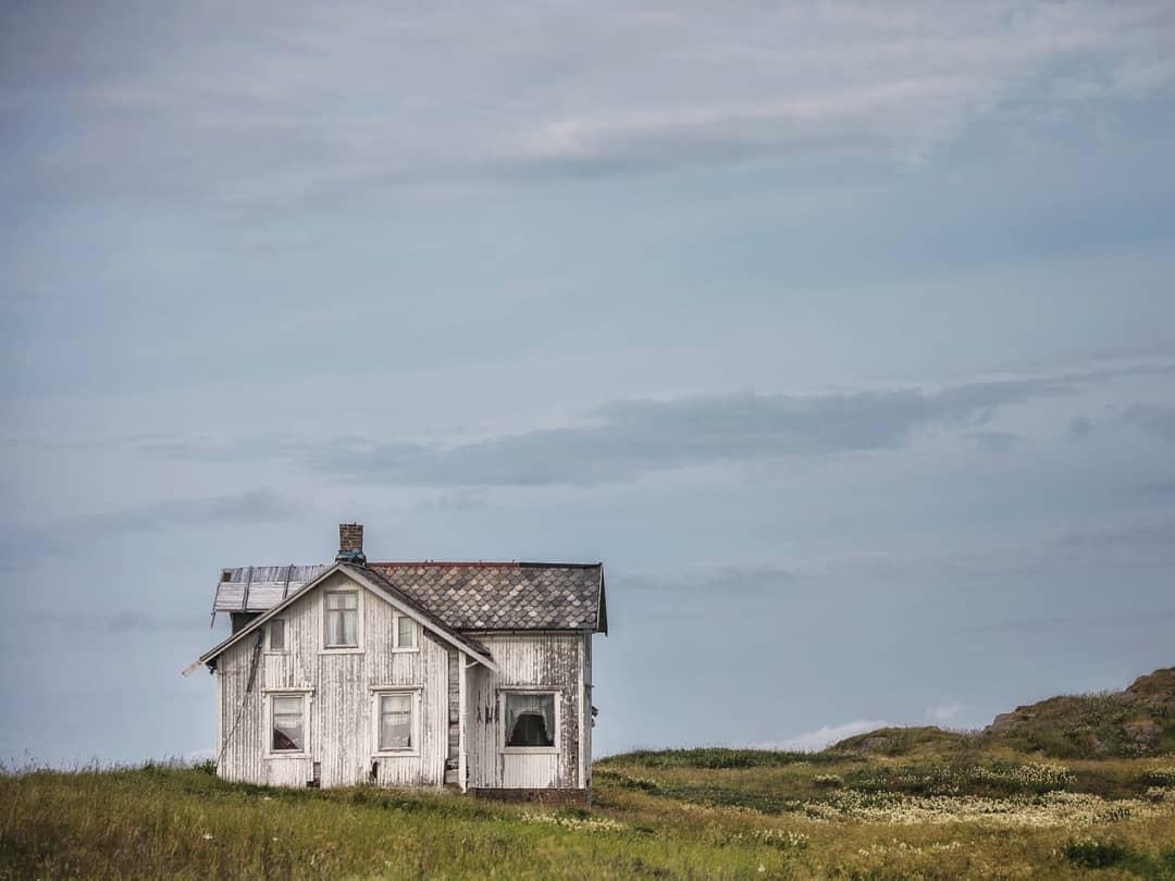 Очаровательные норвежские заброшки на снимках Бритт Мари Бай Бритт, настоящего, Норвегии, работа, уходит, корнями, ностальгические, меланхоличные, чувства, отрешенности, дальности, расстояния, цивилизованного, отстранения, полярным, очень, сильна, фотографическом, рассказе, фотографии