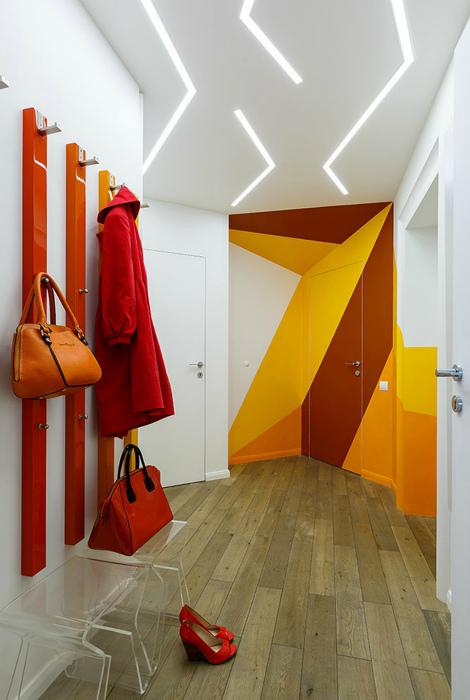 Яркий интерьер с элементами геометрии. | Фото: All-Dizajn.Ru.