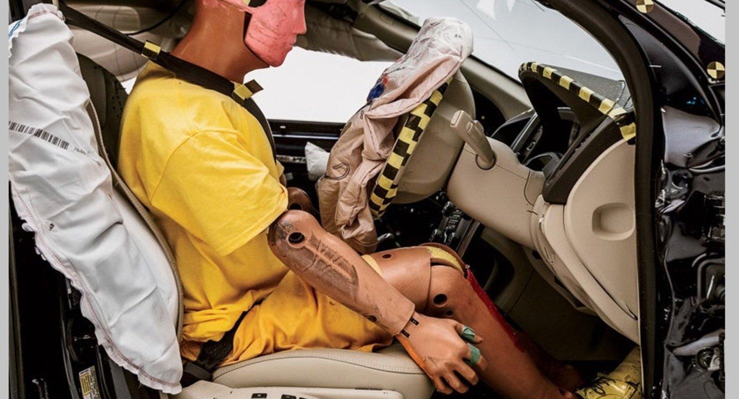 Как вести себя водителю и пассажирам, если ДТП неизбежно Автомобили