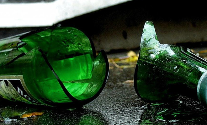 Боец ВДВ рассказал, как они легко разбивают бутылки: сначала внутрь запускают шарик из металла Культура
