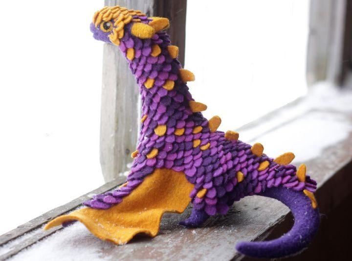 Удивительные драконы из шерсти Алены Бобровой