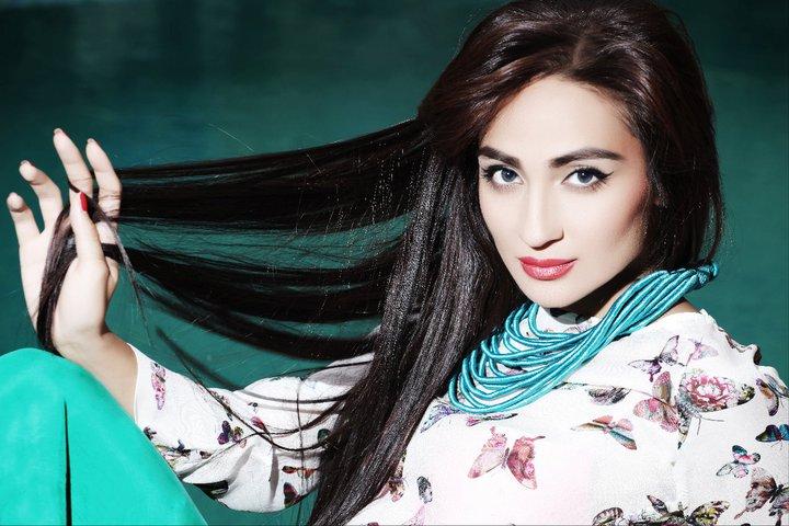 Красивая сексуальная таджичка видео онлайн, очень нежно стонет
