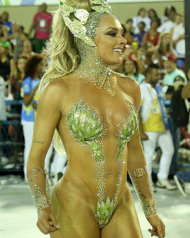 Nude brazilian girls 9