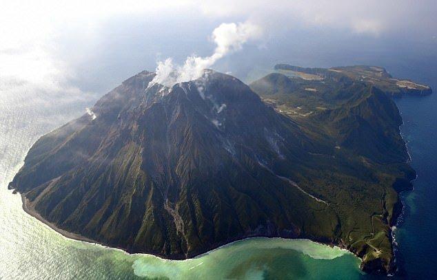 У берегов Японии закипает вулкан-убийца