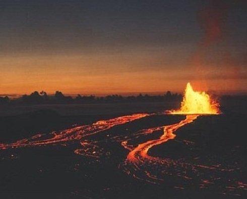 Снимки вулкана-купола поразили публику через полвека после извержения Килауэа, Мауна-Лоа, вулкан, гавайи, извержение вулкана, история, необычайно, редкое зрелище
