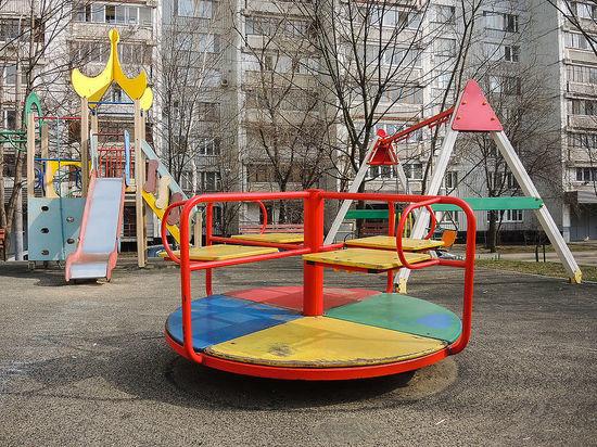 Родителям с коронавирусом пригрозили изъятием приемных детей власть,коронавирус,общество,россияне