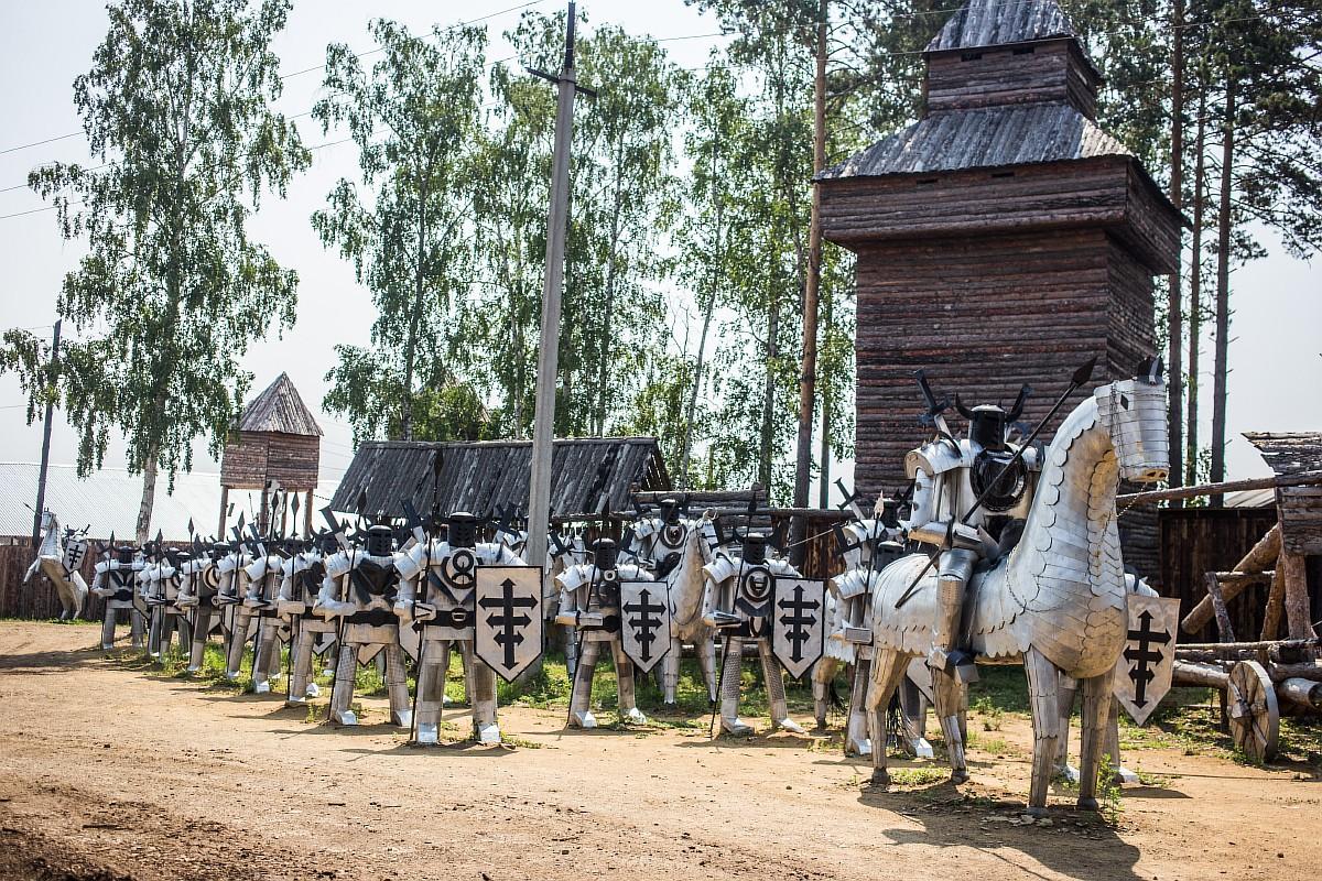 История о том, как  из мусорной свалки  в Сибири сделали средневековую крепость
