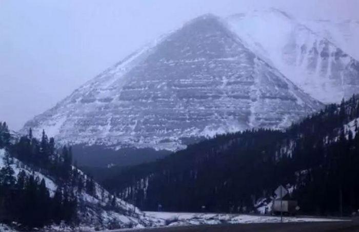 Рукотворные пирамиды ледяной Аляски