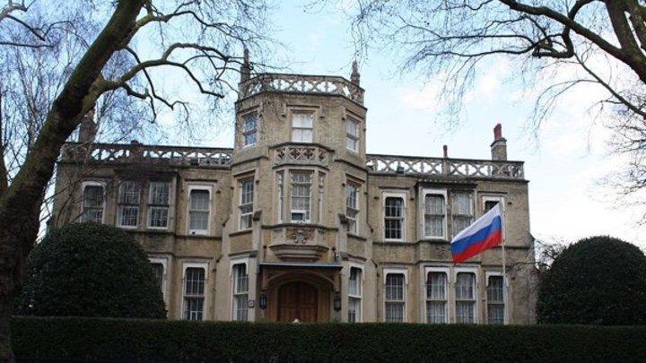 """Британию ждёт """"ответный удар"""" Москвы? Посольство России ответило на санкции Лондона"""