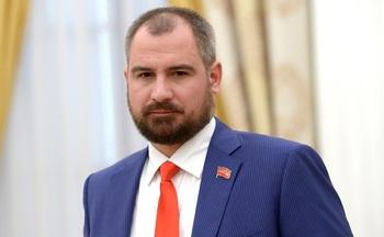 Максим Сурайкин потребовал от Путина место в Совете Федерации