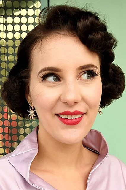 Как в TikTok возродили моду на ретромакияж #1940s,#1950s,#40s,#50s,#alarmclock,#audreyhepburn,#bestthingsince,#breakfastattiffanys,#coolranchdance,#duet,#foryou,#foryoupage,#fyp,#goodmorning,#grwm,#hollygolightly,#keepingbusy,#makeup,#phonekeepsmoving,#pinup,#pov,#retro,#singer,#ukulele,#vintage,vintagegirl,#vintagegirls,#vintageonly,#vintagestyle,Тренды
