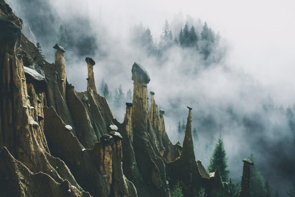 Удивительный памятник природы: сюрреалистичные земляные столбы в Итальянских Альпах