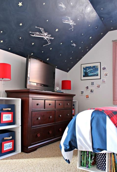 Потолок с рисунком для детской.