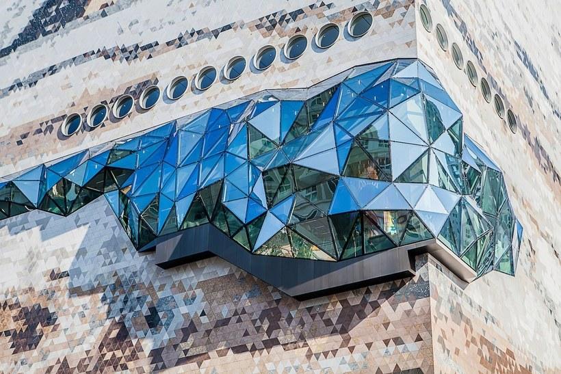 Архитекторы «обернули» южнокорейский универмаг стеклянной аллеей Путешествия,фото