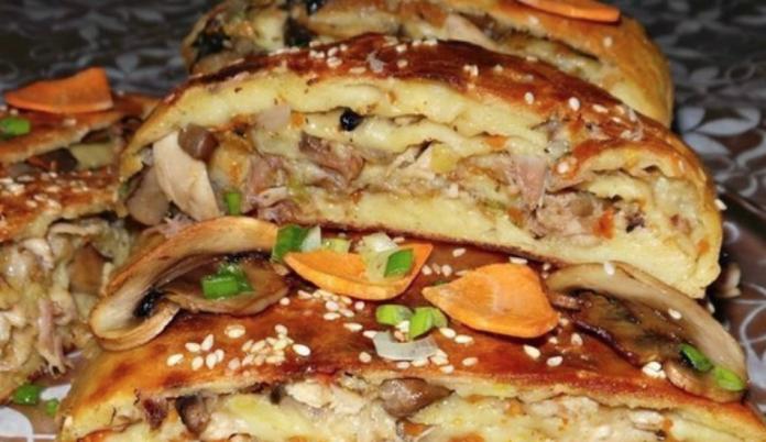 Детей от тарелок не оттянуть: Картофельный рулет с грибами и курицей