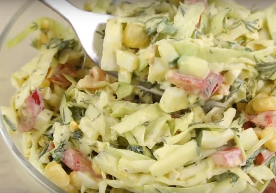 Новый салат из молодой капусты