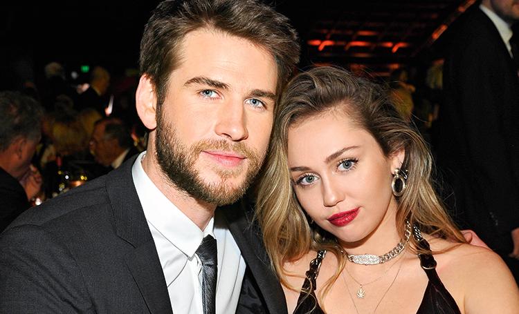 Майли Сайрус призналась в любви своему бывшему мужу Лиаму Хемсворту Звезды,Звездные пары