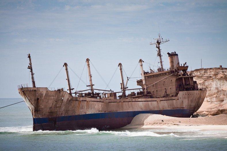 Нуадибу — портовый город в Мавритании, берег которого представляет собой самое большое в мире кладбище кораблей. выброшенные, жизнь, катастрофа, корабли, красота, невероятное