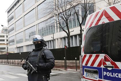 Во Франции задержали готовивших теракты подростков Мир