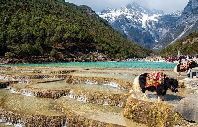 Долина Голубой Луны в национальном парке Юйлунсюэшань виды, города, китай, красота, необыкновенно, пейзажи, удивительно, фото