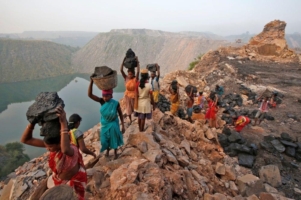 От вулкана до смертоносной шахты: как люди работают за https://mtdata.ru/u15/photoB34C/20305100256-0/original.jpg интересное