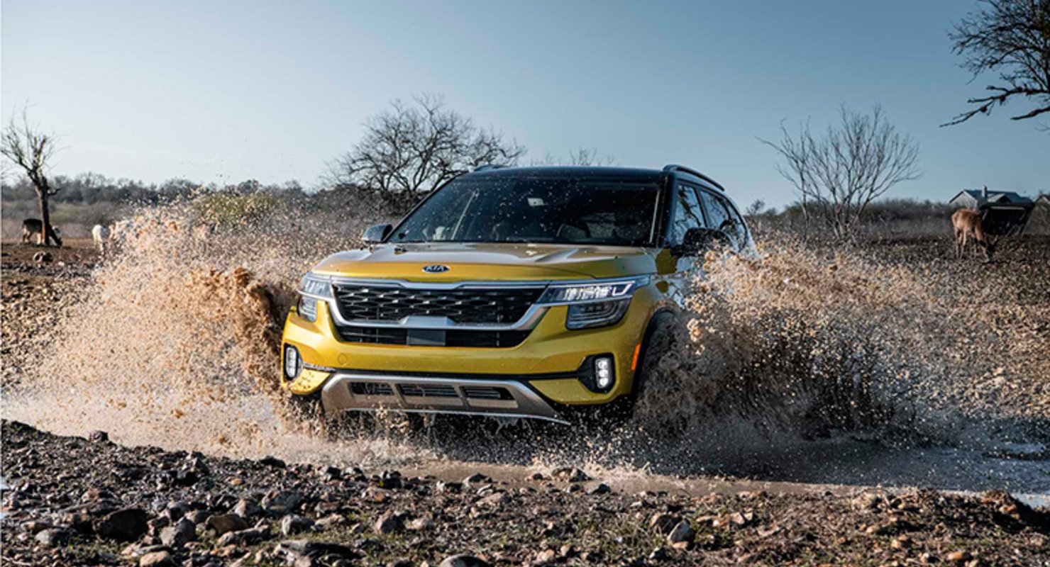 Кроссовер Kia Seltos 2022 года получил эксклюзивную модификацию Nightfall Автомобили
