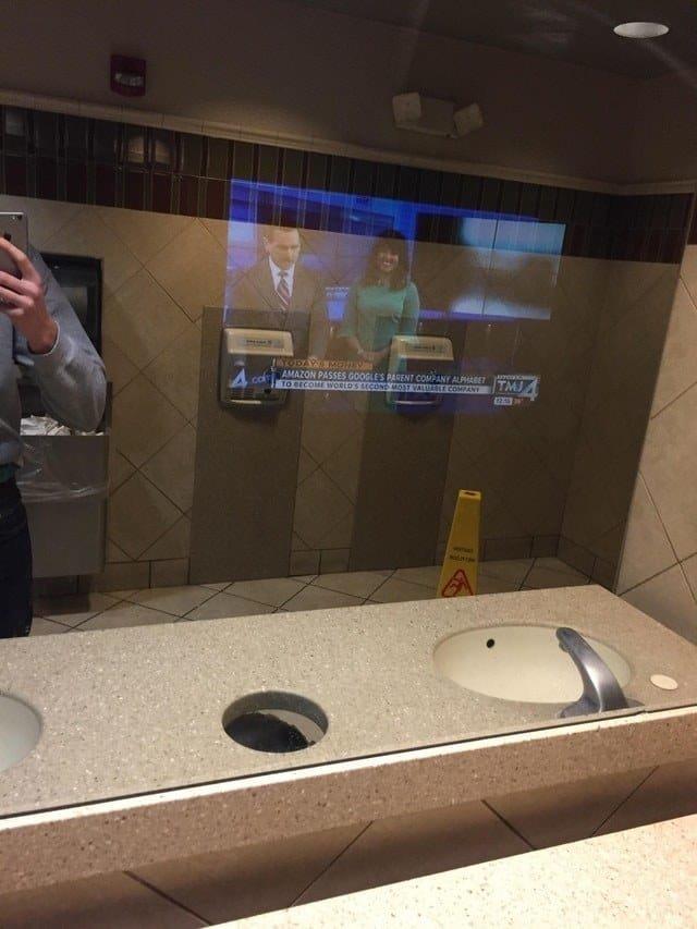 Какими станут общественные туалеты будущего? красота и комфорт, общественные туалеты, технологии будущего, туалет-кинотеатр, туалет-лаборатория, туалеты, уборные, удобства